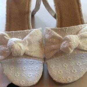 SO memory foam size 4 shoes